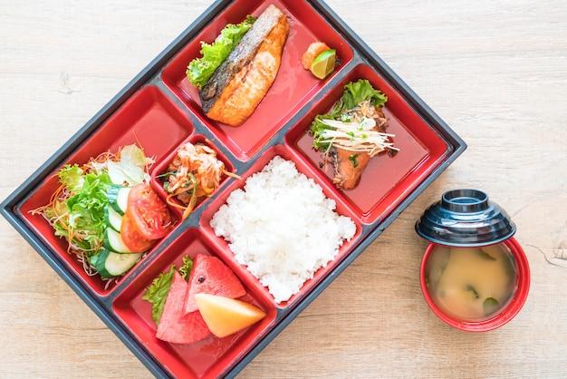 焼き鮭お弁当セット Premium写真