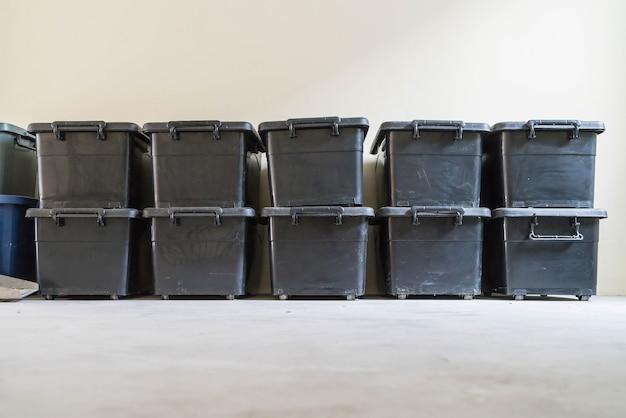プラスチック製の収納ケース 無料写真