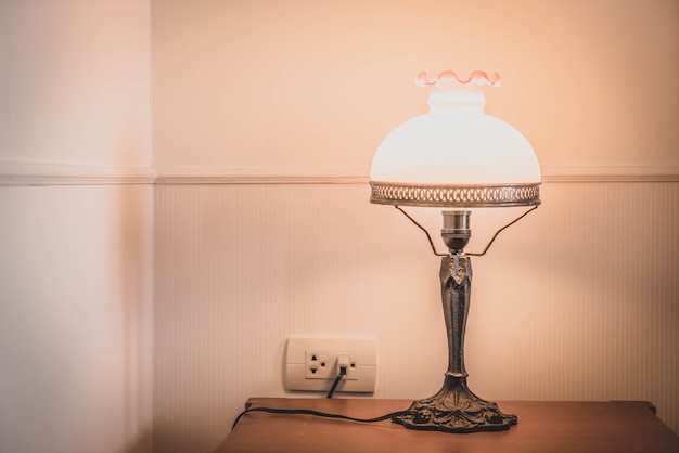 寝室のインテリアの光ランプの装飾 Premium写真