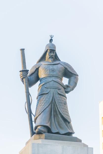 韓国ソウル市の兵士彫像 無料写真
