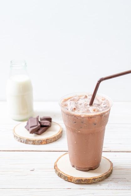 アイスチョコレートミルクセーキドリンク Premium写真