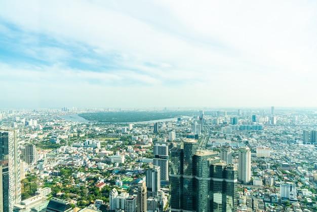 Красивый городской пейзаж с архитектурой и зданием в бангкоке, таиланд Premium Фотографии