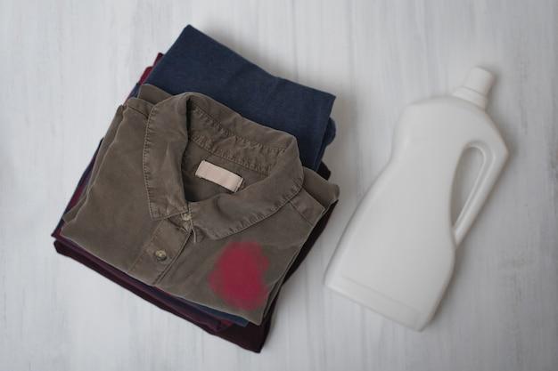 折り畳み式ダーティリネン Premium写真