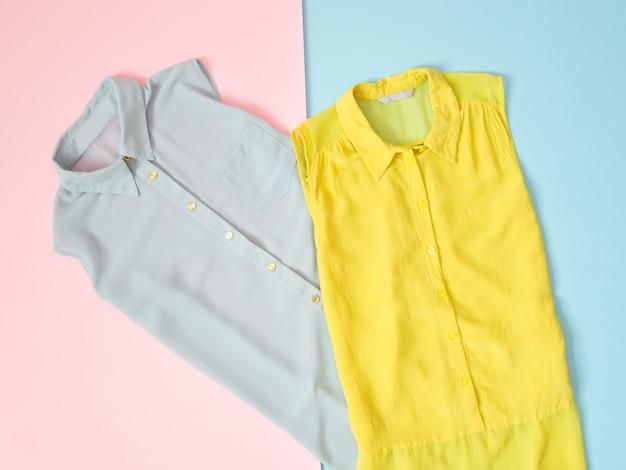 Синяя и светло-зеленая блузка Premium Фотографии