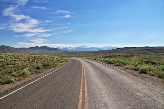 米国カリフォルニア州のヨセミテ国立公園 Premium写真