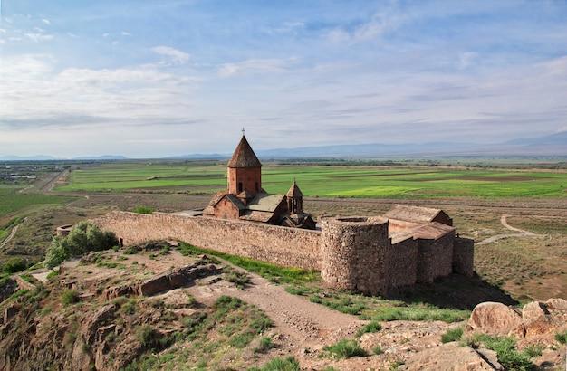アルメニアのホルビラップ修道院 Premium写真