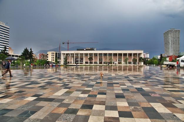 ティラナはアルバニアの首都です Premium写真