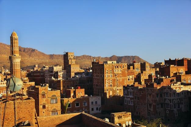 イエメンサナアの日の出 Premium写真