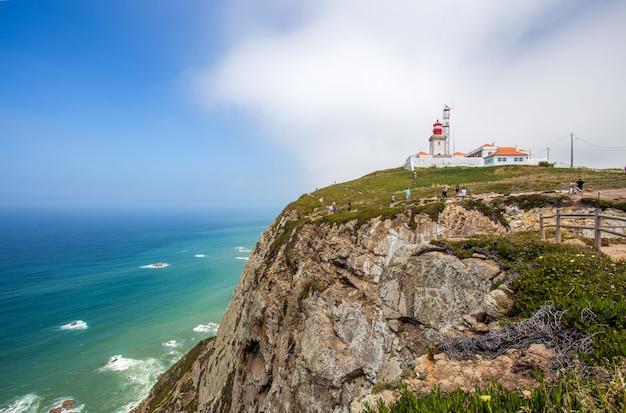カボドロカ灯台、ポルトガル、ヨーロッパ本土の最西端 Premium写真