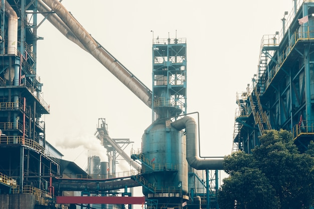 鉄鋼工場の内装 無料写真