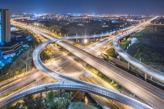 夜の上海高架の航空写真 無料写真