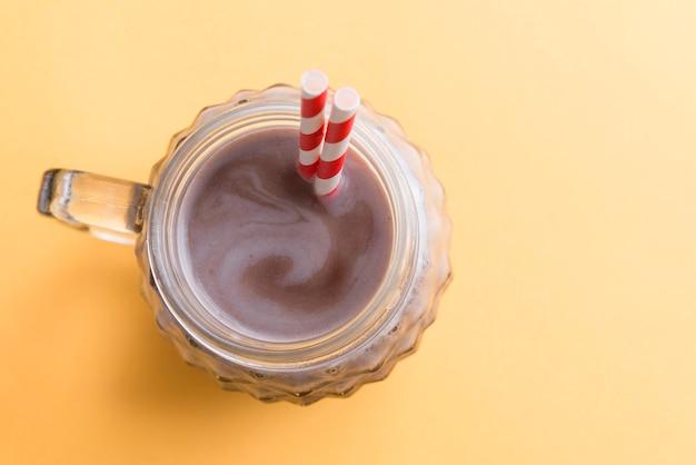 チョコレートミルクセーキトップビュー Premium写真