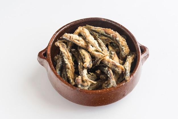 Жареные сардины (типичная испанская тапа), песо фрито Premium Фотографии
