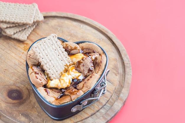 Зефир с шоколадом для соусов Premium Фотографии