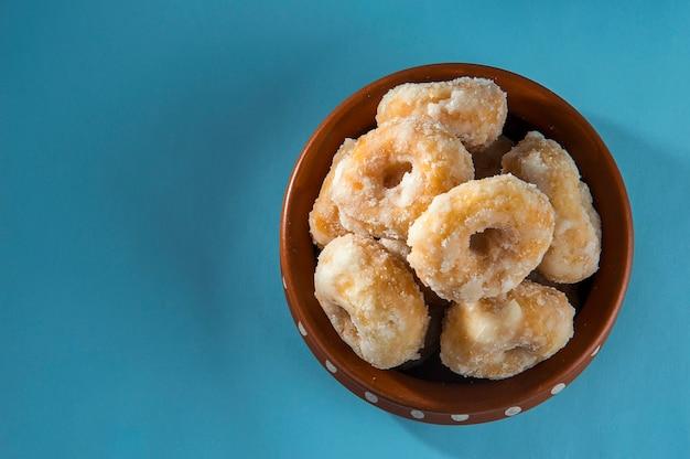 インドの伝統的な甘い食べ物バルシャヒ Premium写真