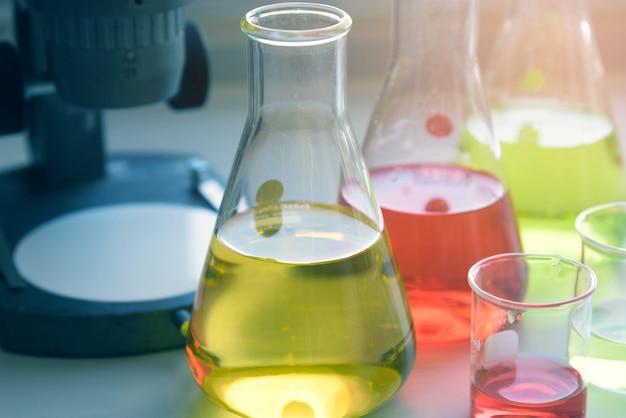 Оборудование и научные эксперименты Premium Фотографии