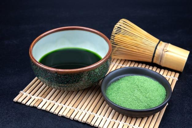 有機緑抹茶茶道具 Premium写真
