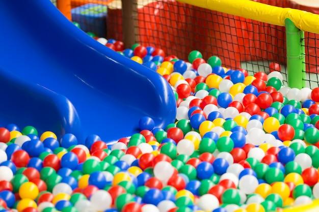 Современный интерьер детской площадки. Premium Фотографии