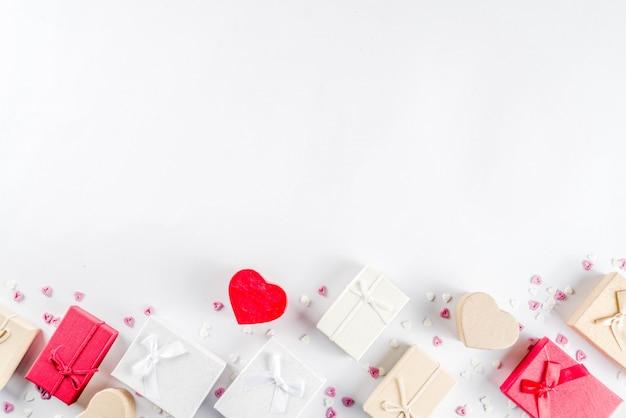 Подарочные коробки на день святого валентина Premium Фотографии