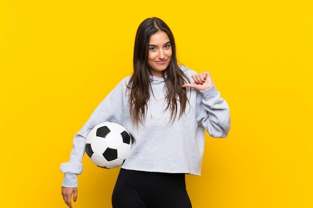 若いフットボール選手の女性誇りと自己満足 Premium写真