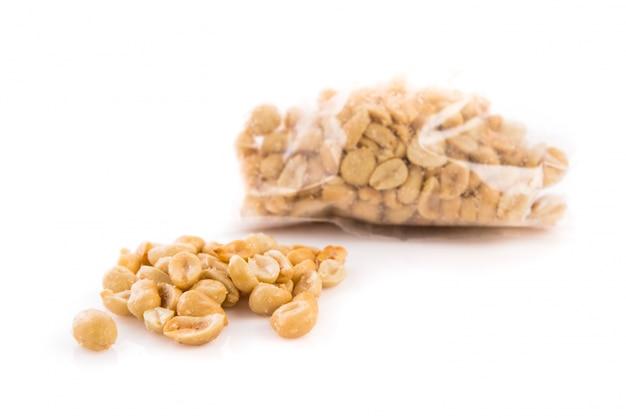 ジャンボはピーナッツを塩漬けした 無料写真