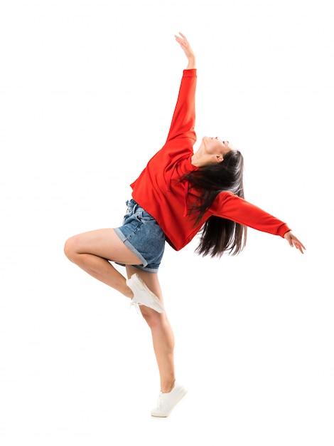 若いアジアのダンサー Premium写真