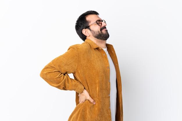Человек в очках и желтой рубашке Premium Фотографии