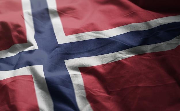 ノルウェー国旗のしわくちゃのクローズアップ Premium写真