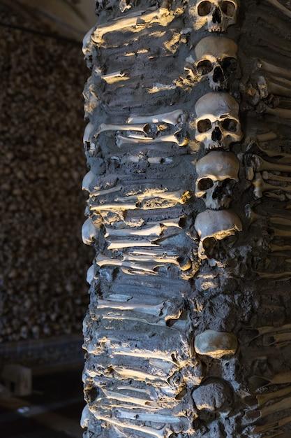 エヴォラの骨のチャペル。ポルトガル。 Premium写真