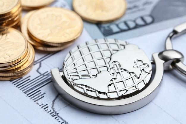 コイン、紙幣、白の世界統計的なフォームの背景 無料写真