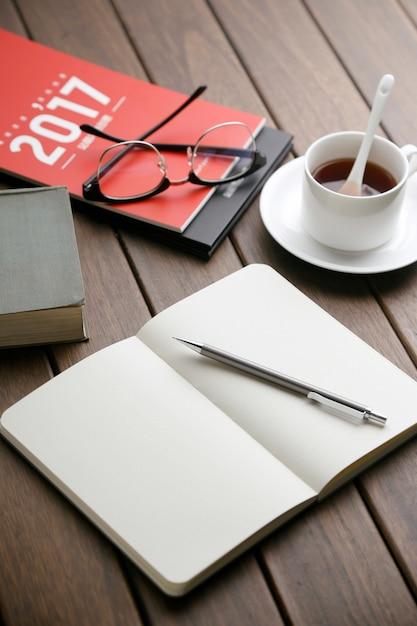 時間紅茶のメモ帳の卓上カレンダーのデスクトップ 無料写真