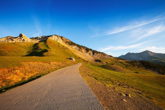 Дорога в горном перевале Бесплатные Фотографии