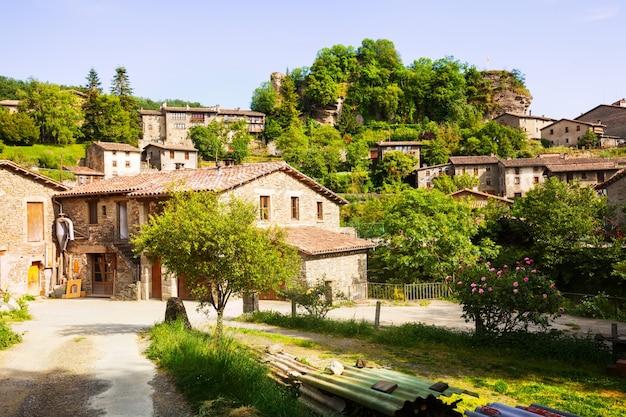 カタロニア語の村。ルピット。カタロニア 無料写真