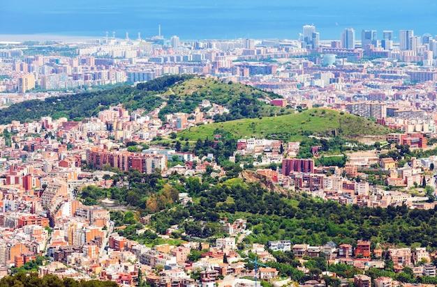 マウントからバルセロナの住宅地区 無料写真