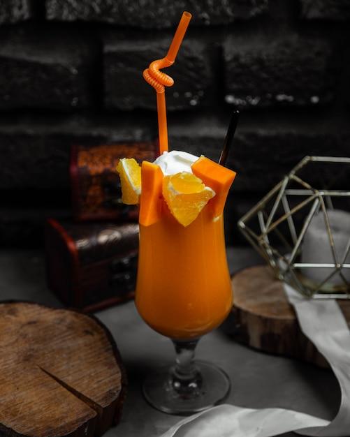 オレンジとカボチャのジュース 無料写真