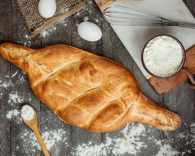 Вид сверху грузинского батонского хлеба Бесплатные Фотографии