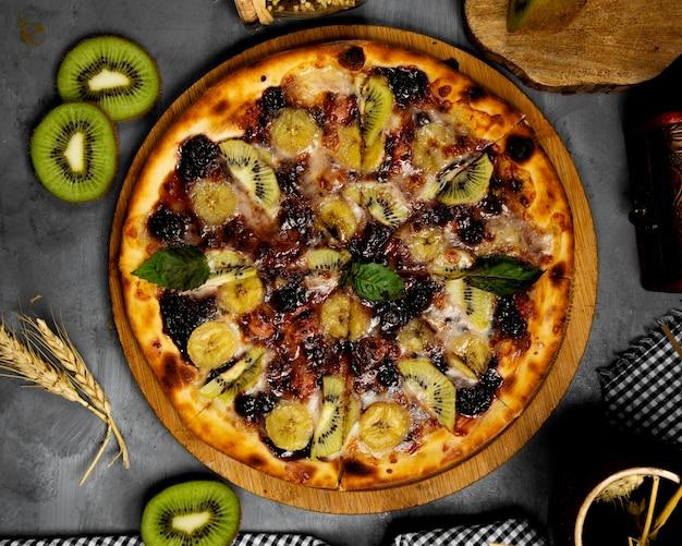 Хрустящая пицца из киви и банана Бесплатные Фотографии
