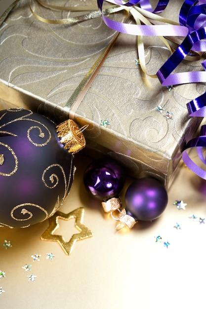 クリスマスのお祝いデコレーション Premium写真