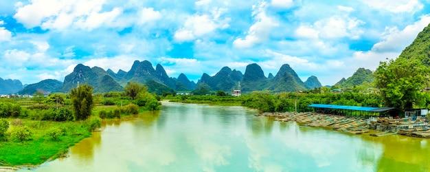 自然自然の緑の水の川 無料写真