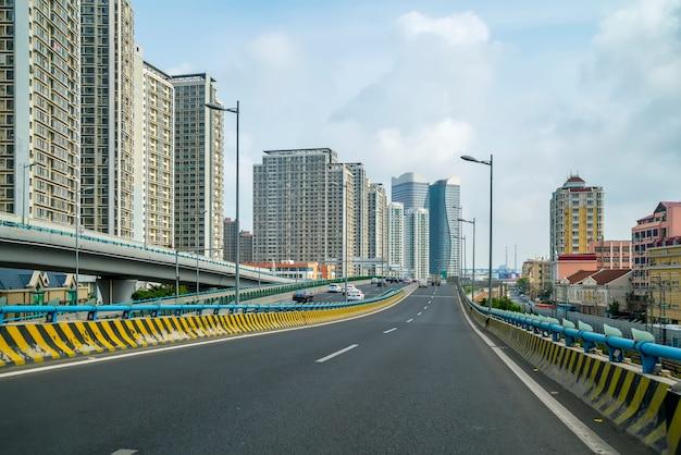 道路と街の景色 無料写真