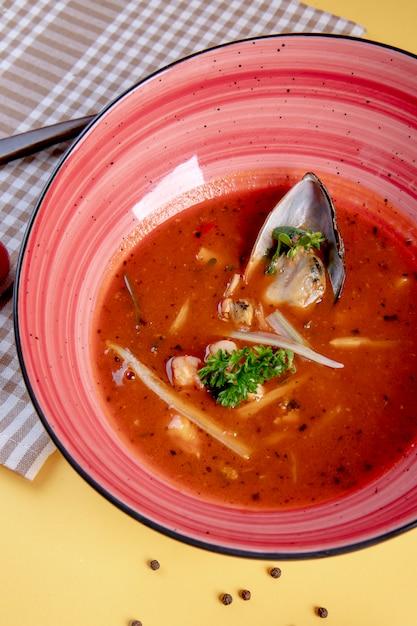 Острый суп с устрицами внутри Бесплатные Фотографии