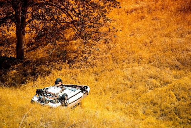 ロールオーバークラッシュカー 無料写真