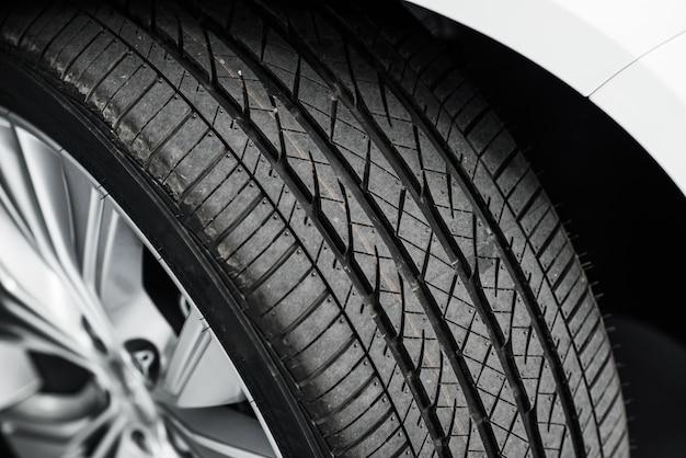 Новая автомобильная шина Бесплатные Фотографии