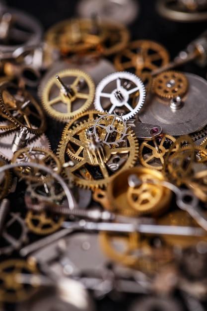 Шестерни на столе Бесплатные Фотографии
