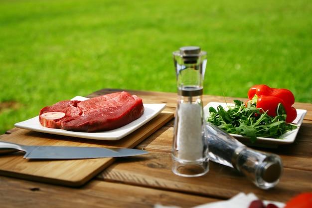 新鮮でとても美味しいステーキ 無料写真
