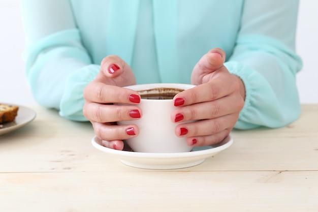 テーブルの上のおいしいコーヒー 無料写真