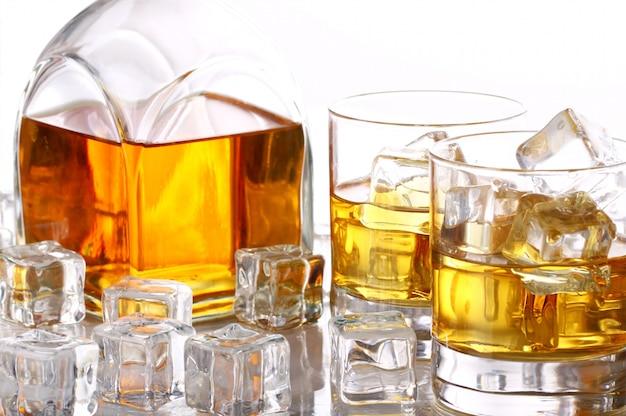 Холодный виски со льдом Бесплатные Фотографии