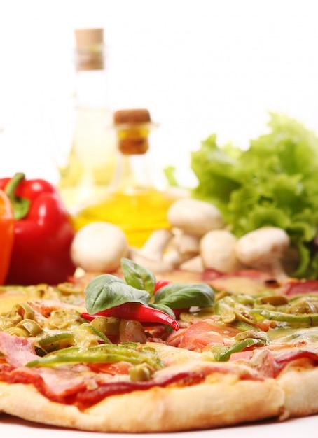 Свежая и вкусная пицца Бесплатные Фотографии