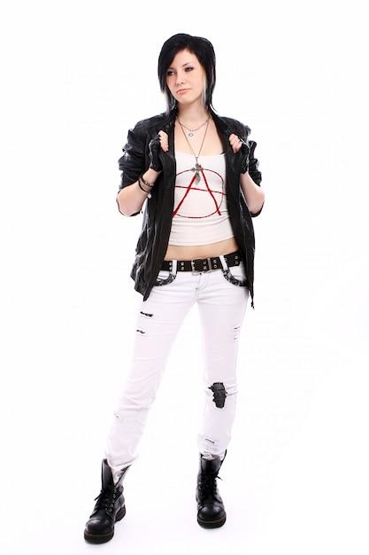 Молодая панк девочка с бейсбольной битой Бесплатные Фотографии