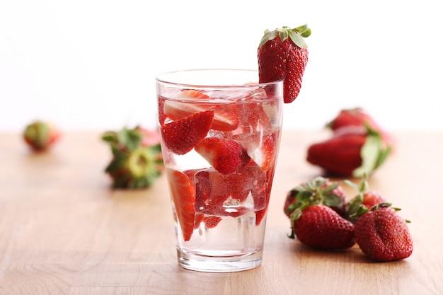 イチゴの冷たい飲み物 無料写真